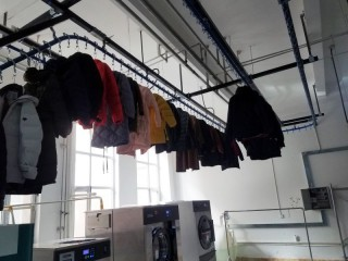 新疆智依禧-正在洗涤中心的衣服