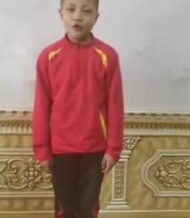 喀什市第八小学的足球小将们为武汉加油!